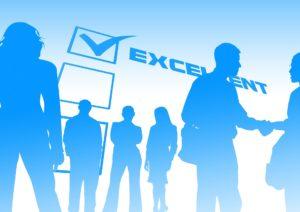 Das Erfordernis, bestimmte Prüfungen erfolgreich zu absolvieren, stellt in der Regel einen zulässigen Eingriff in die Berufsfreiheit dar.