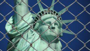Die Freiheit der Person ist in vielerlei Hinsicht bedroht.